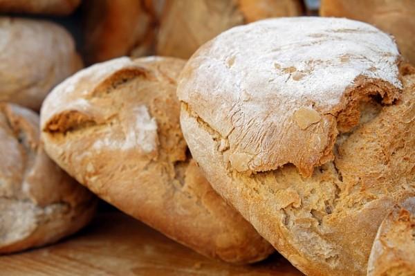 bread-2193537_640